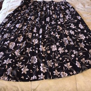 SZ 18 Floral Circle Skirt
